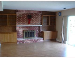 """Photo 9: 8271 OSGOODE Drive in RICHMOND: Saunders House for sale in """"SAUNDERS"""" (Richmond)  : MLS®# V782671"""