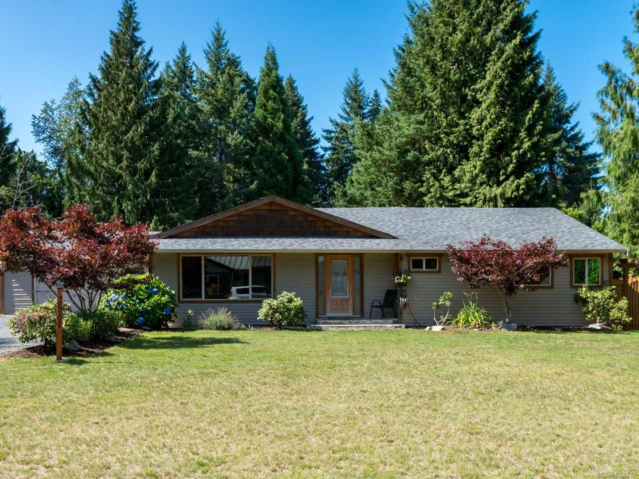 Main Photo: 2561 Webdon Rd in COURTENAY: CV Courtenay West House for sale (Comox Valley)  : MLS®# 822132