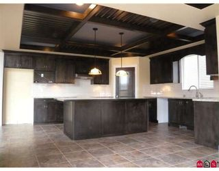 """Photo 3: 8362 211TH Street in Langley: Willoughby Heights House for sale in """"Yorkson"""" : MLS®# F2808144"""