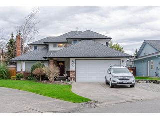 """Photo 1: 18677 61A Avenue in Surrey: Cloverdale BC House for sale in """"EAGLECREST"""" (Cloverdale)  : MLS®# R2426392"""