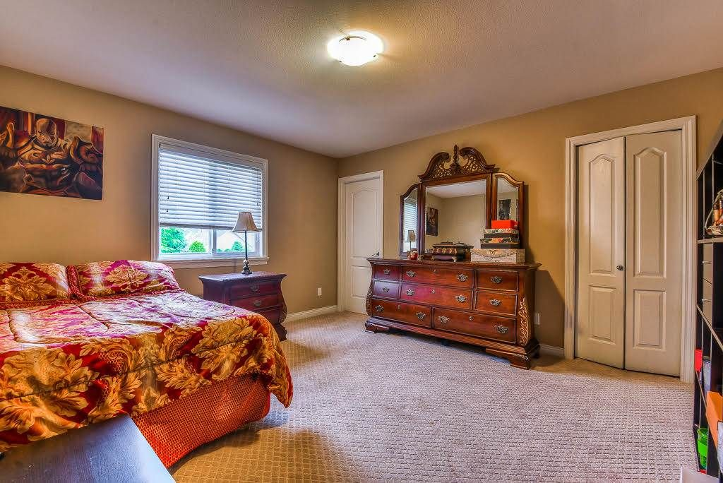 Photo 17: Photos: 15927 89A Avenue in Surrey: Fleetwood Tynehead House for sale : MLS®# R2228908