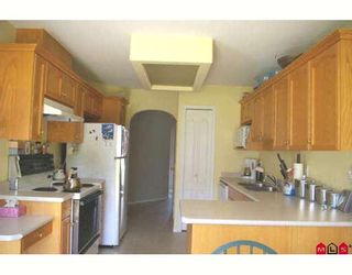"""Photo 2: 100 46360 VALLEYVIEW Road in Sardis: Promontory Townhouse for sale in """"APPLE CREEK"""" : MLS®# H2803711"""