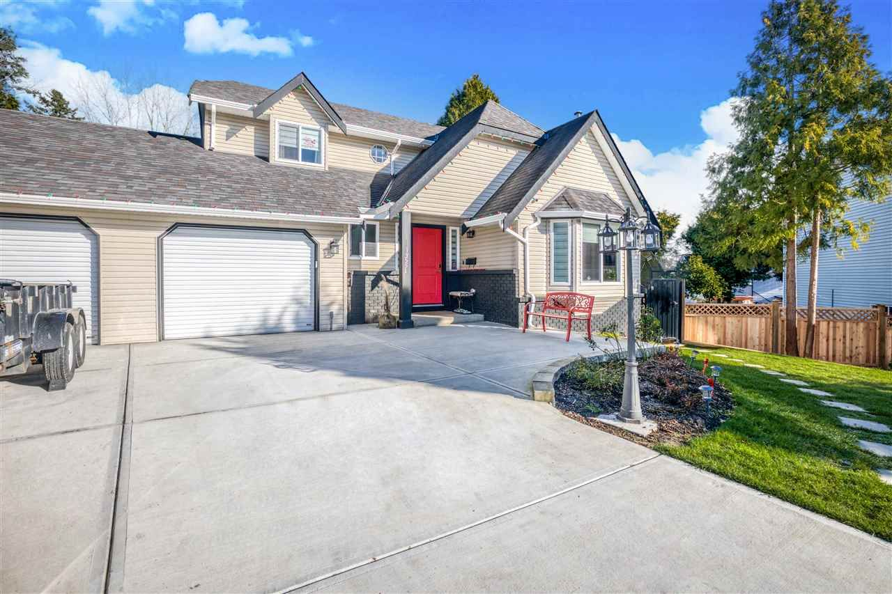 Main Photo: 13551 64A Avenue in Surrey: West Newton House for sale : MLS®# R2548007