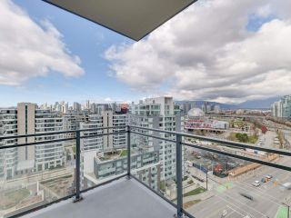 "Photo 17: 1806 111 E 1ST Avenue in Vancouver: Mount Pleasant VE Condo for sale in ""BLOCK 100"" (Vancouver East)  : MLS®# R2561201"