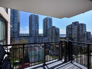 "Photo 2: 408 813 AGNES Street in New Westminster: Downtown NW Condo for sale in ""NEWS"" : MLS®# V989175"
