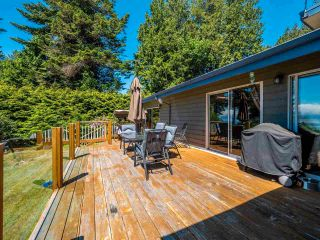 Photo 3: 7883 REDROOFFS ROAD in Halfmoon Bay: Halfmn Bay Secret Cv Redroofs House for sale (Sunshine Coast)  : MLS®# R2585172