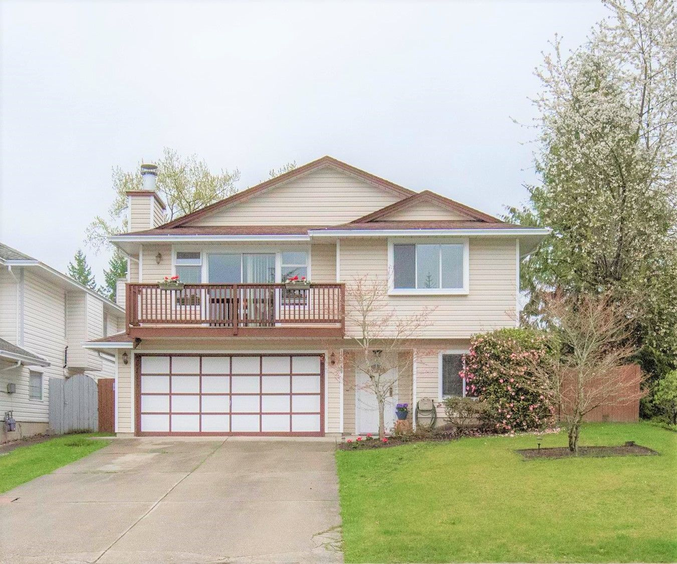 Main Photo: 12360 233 Street in Maple Ridge: East Central House for sale : MLS®# R2357272