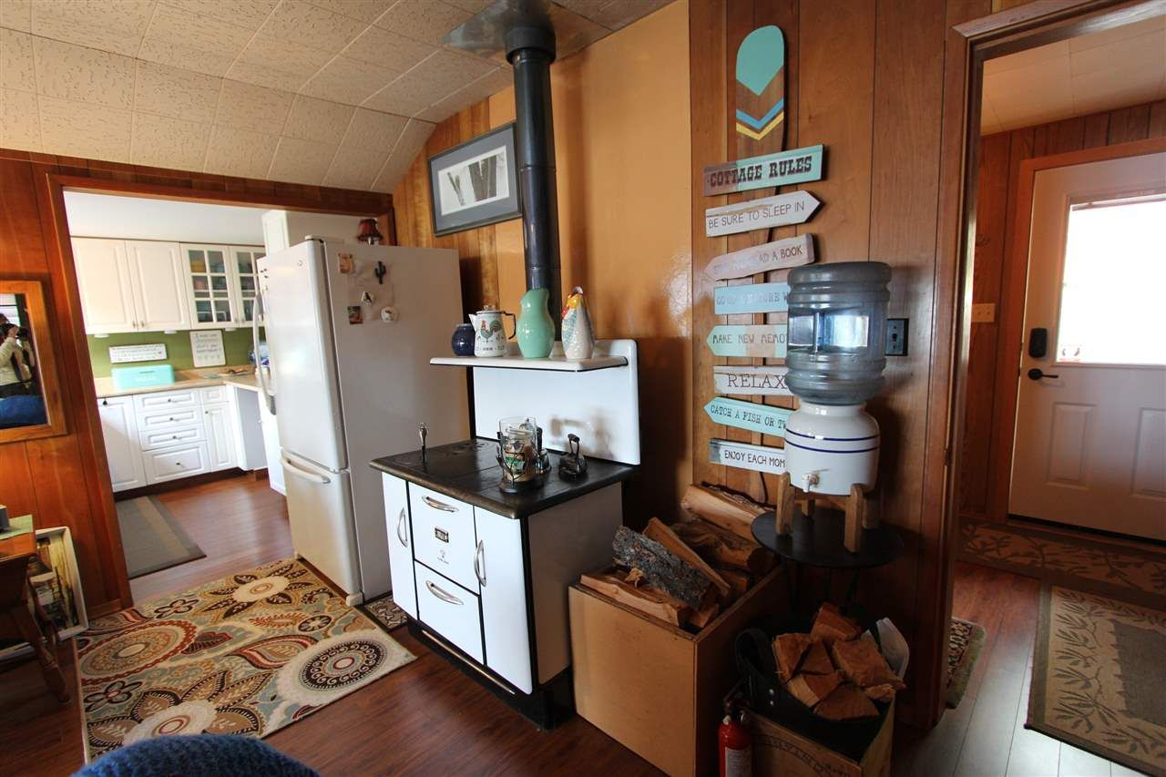 Photo 4: Photos: 50985 CLUCULZ Place: Cluculz Lake House for sale (PG Rural West (Zone 77))  : MLS®# R2397310
