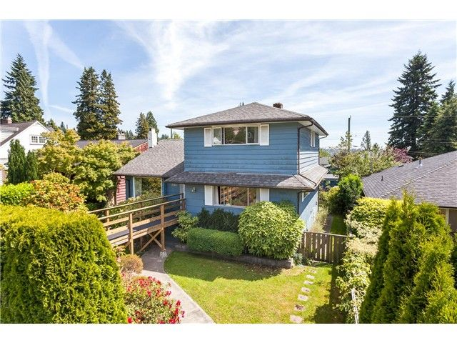 Main Photo: 1246 Kings Av in West Vancouver: Ambleside House for sale : MLS®# V1129618