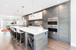 Main Photo: 505 37 Street SW in Calgary: Spruce Cliff Detached for sale : MLS®# A1129989