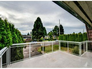 Photo 8: 13851 BLACKBURN AV: White Rock House for sale (South Surrey White Rock)  : MLS®# F1428176