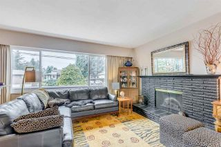 Photo 4: 3930 LOZELLS Avenue in Burnaby: Government Road House for sale (Burnaby North)  : MLS®# R2056265