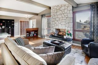 Photo 2: 5735 LADBROOKE DR SW in Calgary: Lakeview House for sale : MLS®# C4273443