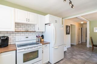 Photo 7: 21 Fontaine Crescent in Winnipeg: Windsor Park Residential for sale (2G)  : MLS®# 202113463