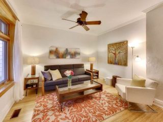 Photo 3: 200 Oakcrest Avenue in Toronto: East End-Danforth House (2 1/2 Storey) for sale (Toronto E02)  : MLS®# E3985440