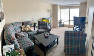 Photo 3: 214 Woodmont Court SW in Calgary: Woodbine Detached for sale : MLS®# A1084595