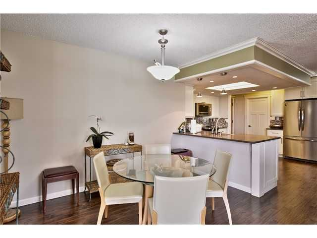 Photo 4: Photos: # 305 168 CHADWICK CT in North Vancouver: Lower Lonsdale Condo for sale : MLS®# V1073729