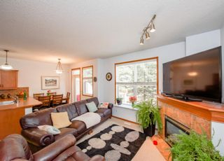 Photo 7: 74 Discovery Heights SW in Calgary: Discovery Ridge Row/Townhouse for sale : MLS®# A1104755