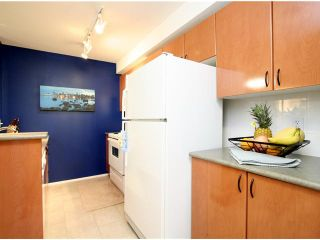 Photo 7: # 1109 2733 CHANDLERY PL in Vancouver: Fraserview VE Condo for sale (Vancouver East)  : MLS®# V1012176