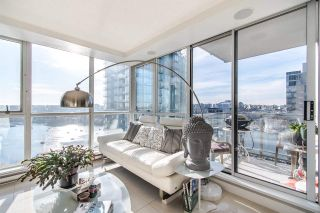 """Photo 6: 2202 1408 STRATHMORE Mews in Vancouver: Yaletown Condo for sale in """"WEST ONE"""" (Vancouver West)  : MLS®# R2432434"""