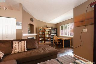 Photo 4: 2873 Young Pl in VICTORIA: La Glen Lake Half Duplex for sale (Langford)  : MLS®# 810391
