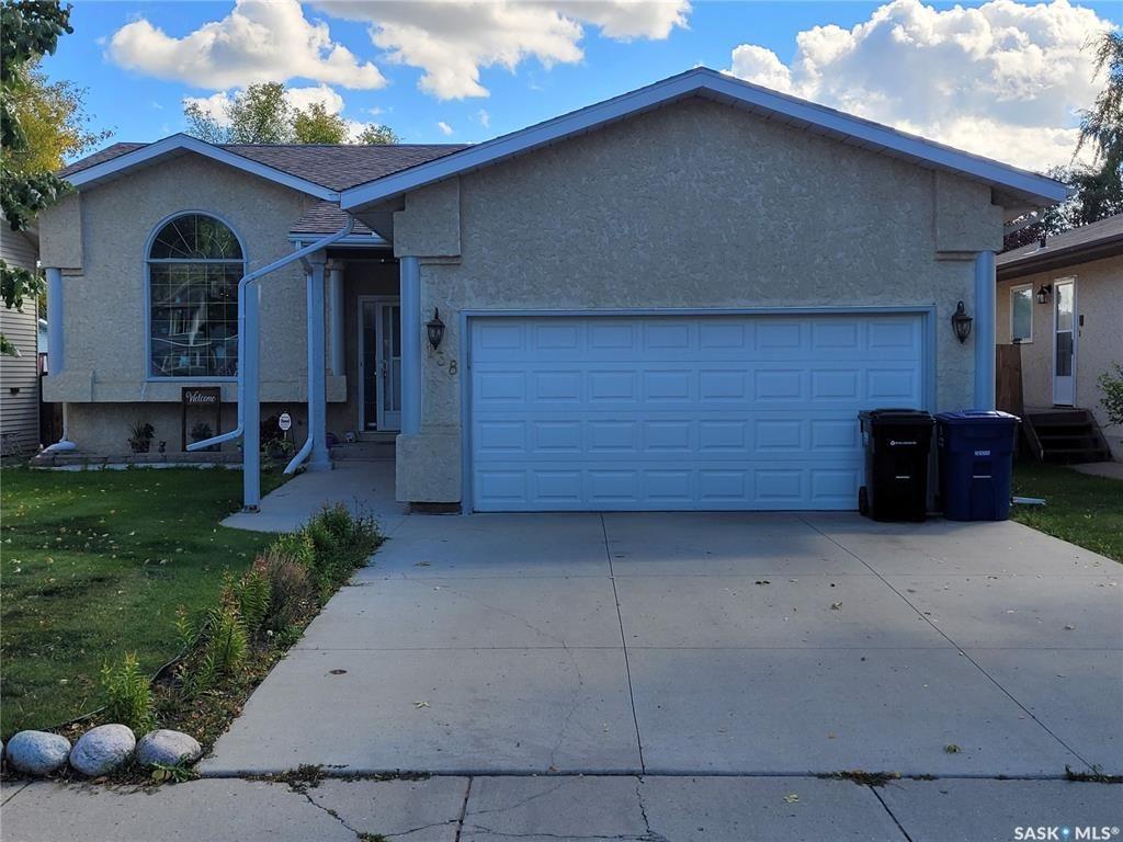 Main Photo: 138 Batoche Crescent in Saskatoon: Parkridge SA Residential for sale : MLS®# SK870523