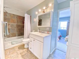 Photo 12: 330 McTavish Street in Outlook: Residential for sale : MLS®# SK870442