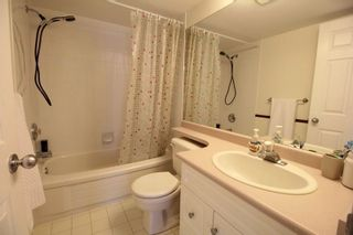 """Photo 16: 18610 65 Avenue in Surrey: Cloverdale BC Townhouse for sale in """"Ridgeway"""" (Cloverdale)  : MLS®# R2299055"""