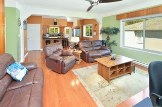 Photo 7: 914 DUNN Ave in : SE Swan Lake House for sale (Saanich East)  : MLS®# 876045