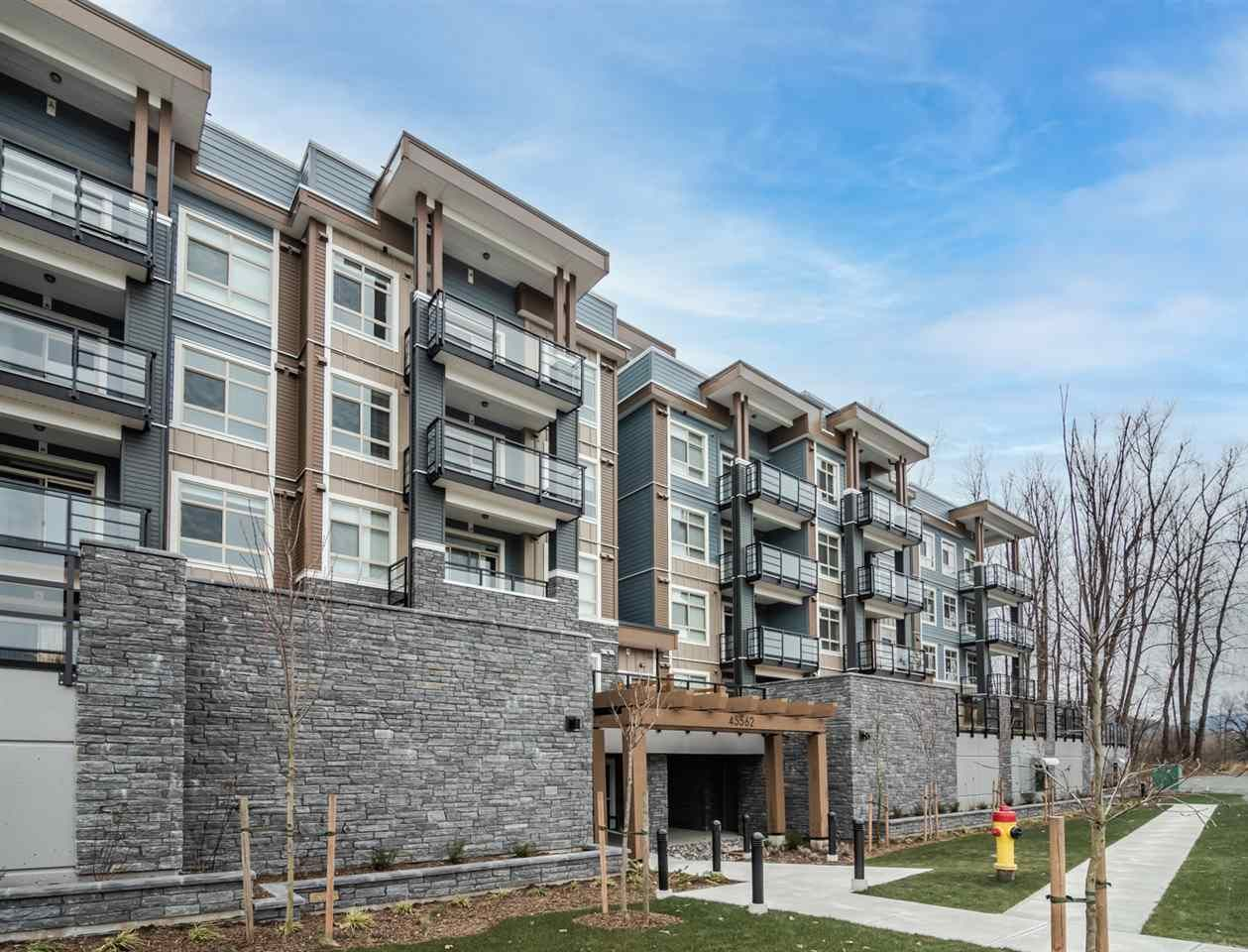 "Main Photo: 309 45562 AIRPORT Road in Chilliwack: Chilliwack E Young-Yale Condo for sale in ""THE ELLIOT"" : MLS®# R2537739"