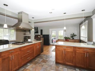 Photo 10: 1304 FOSTER AVENUE in Coquitlam: Central Coquitlam House for sale : MLS®# R2433581