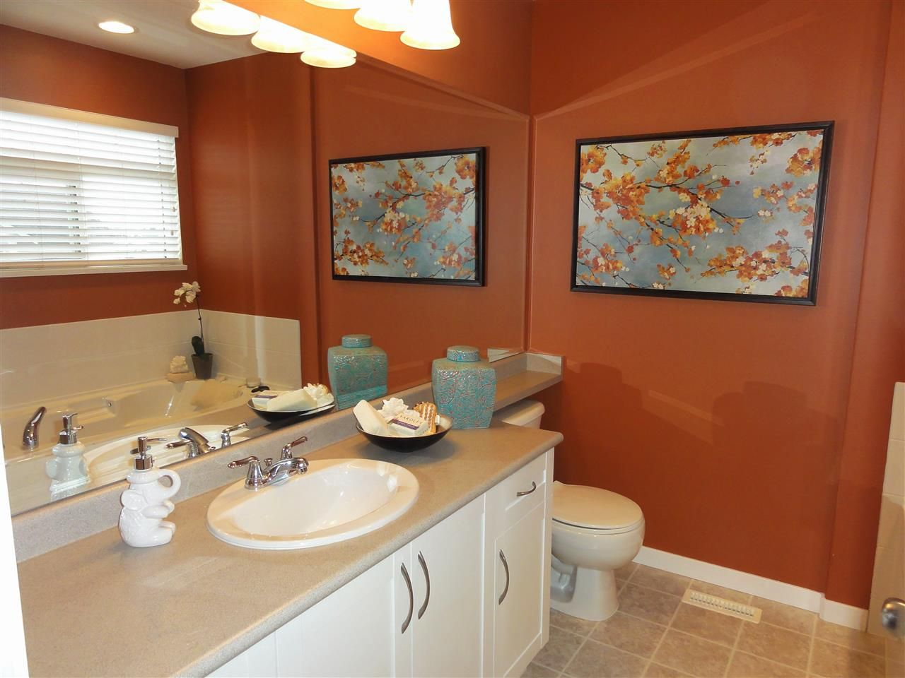 """Photo 10: Photos: 5883 148A Street in Surrey: Sullivan Station House for sale in """"Panorama Village"""" : MLS®# R2032102"""