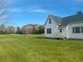 Photo 6: 8664 Highway 7 in Sherbrooke: 303-Guysborough County Residential for sale (Highland Region)  : MLS®# 202111497