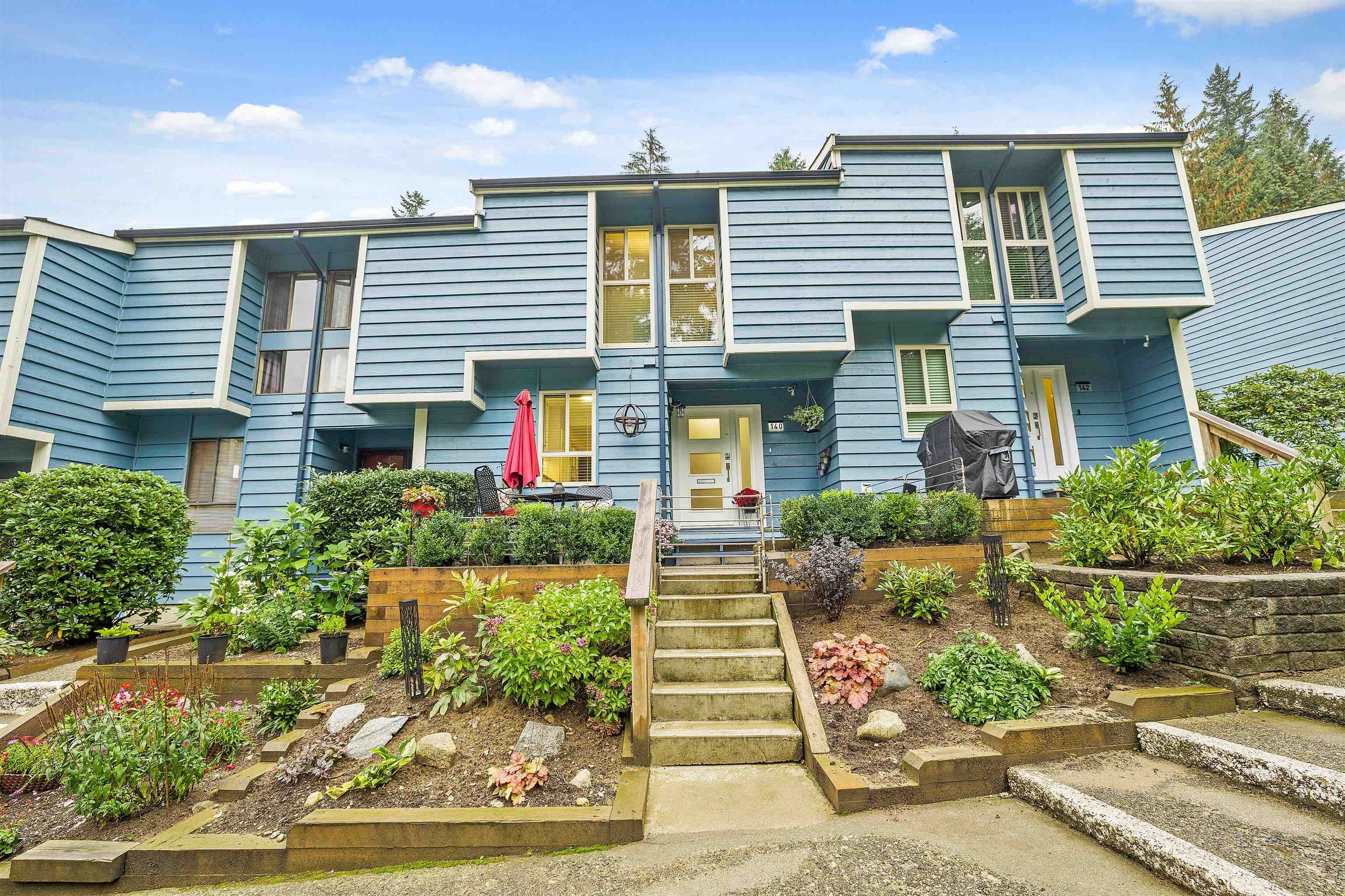 """Main Photo: 140 BROOKSIDE Drive in Port Moody: Port Moody Centre Townhouse for sale in """"BROOKSIDE ESTATES"""" : MLS®# R2623778"""