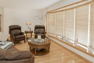 Photo 5: 95 Malmsbury Avenue in Winnipeg: River Park South Residential for sale (2F)  : MLS®# 202028338