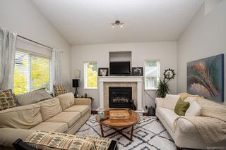 Photo 6: 950 Thrush Pl in Langford: La Happy Valley House for sale : MLS®# 845123