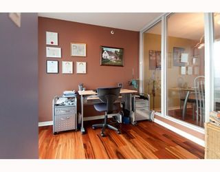 """Photo 5: 3105 1009 EXPO Boulevard in Vancouver: Downtown VW Condo  in """"LANDMARK 33"""" (Vancouver West)  : MLS®# V801794"""