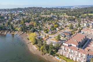 Photo 3: 101 Uganda Ave in : Es Kinsmen Park House for sale (Esquimalt)  : MLS®# 884915
