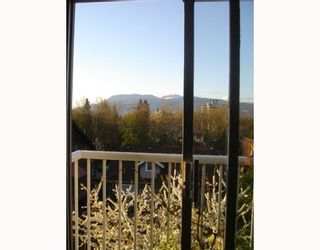 """Photo 3: 3727 W 10TH Ave in Vancouver: Point Grey Townhouse for sale in """"THE FOLKSTONE"""" (Vancouver West)  : MLS®# V644591"""