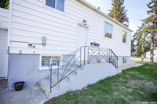 Photo 3: 1301 20th Street West in Saskatoon: Pleasant Hill Residential for sale : MLS®# SK870390
