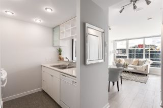 """Photo 3: 2003 939 EXPO Boulevard in Vancouver: Yaletown Condo for sale in """"THE MAX"""" (Vancouver West)  : MLS®# R2102471"""