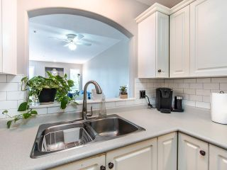 """Photo 8: 305 3128 FLINT Street in Port Coquitlam: Glenwood PQ Condo for sale in """"FRASER COURT TERRACE"""" : MLS®# R2456754"""