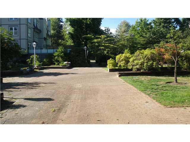 """Photo 11: Photos: 118 99 BEGIN Street in Coquitlam: Maillardville Condo for sale in """"LE CHATEAU"""" : MLS®# V1137709"""