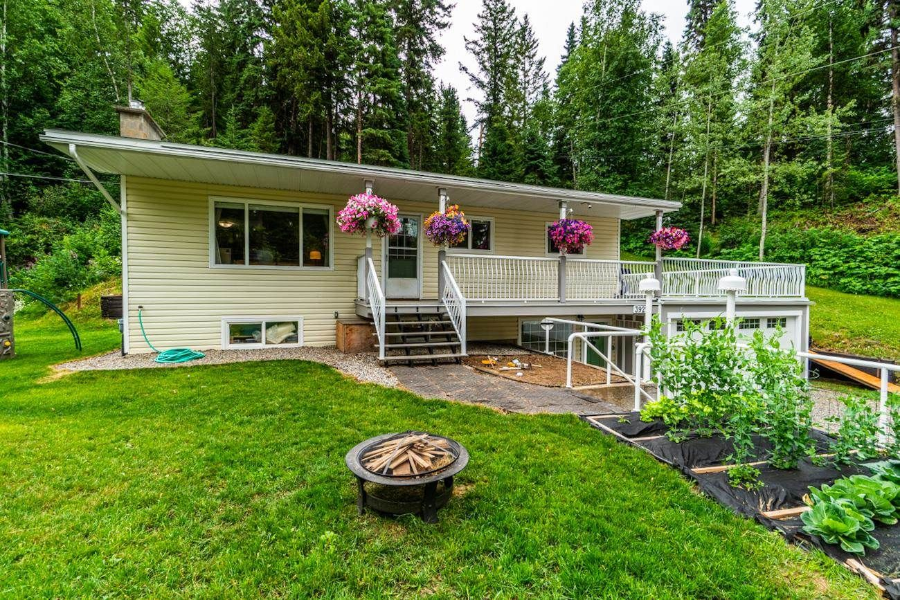 Main Photo: 3922 E KENWORTH Road in Prince George: Mount Alder House for sale (PG City North (Zone 73))  : MLS®# R2602587