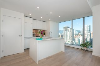 "Photo 3: 3507 1480 HOWE Street in Vancouver: Yaletown Condo for sale in ""VANCOUVER HOUSE"" (Vancouver West)  : MLS®# R2445993"