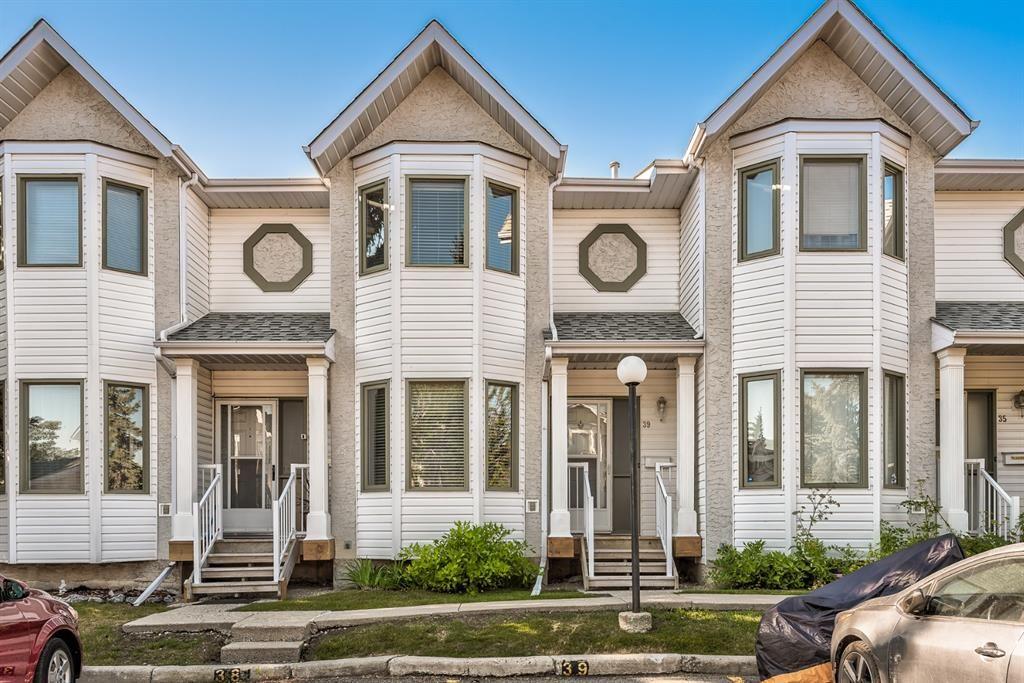 Main Photo: 39 Abbeydale Villas NE in Calgary: Abbeydale Row/Townhouse for sale : MLS®# A1138689