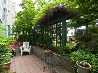 """Photo 14: # 202 212 LONSDALE AV in North Vancouver: Lower Lonsdale Condo for sale in """"Two One Two"""" : MLS®# V893037"""