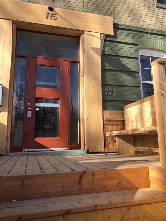 Main Photo: 7 775 Mulvey Avenue in Winnipeg: Crescentwood Condominium for sale (1Bw)  : MLS®# 202105333