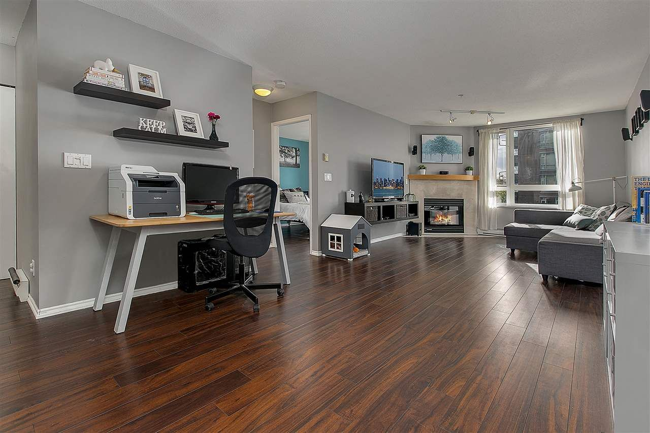 """Main Photo: PH8 1163 THE HIGH Street in Coquitlam: North Coquitlam Condo for sale in """"Kensington Court"""" : MLS®# R2452327"""