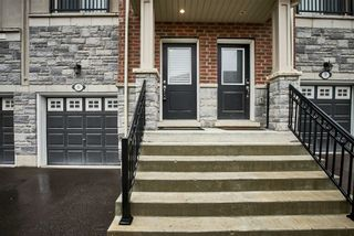 Photo 3: 15 Prospect Way in Whitby: Pringle Creek House (2-Storey) for sale : MLS®# E5262069
